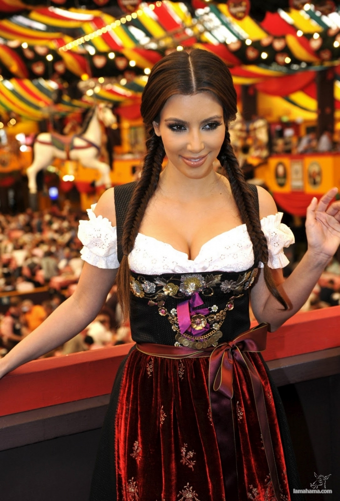 Oktoberfest - Hot girls and beer! - Pictures nr 4