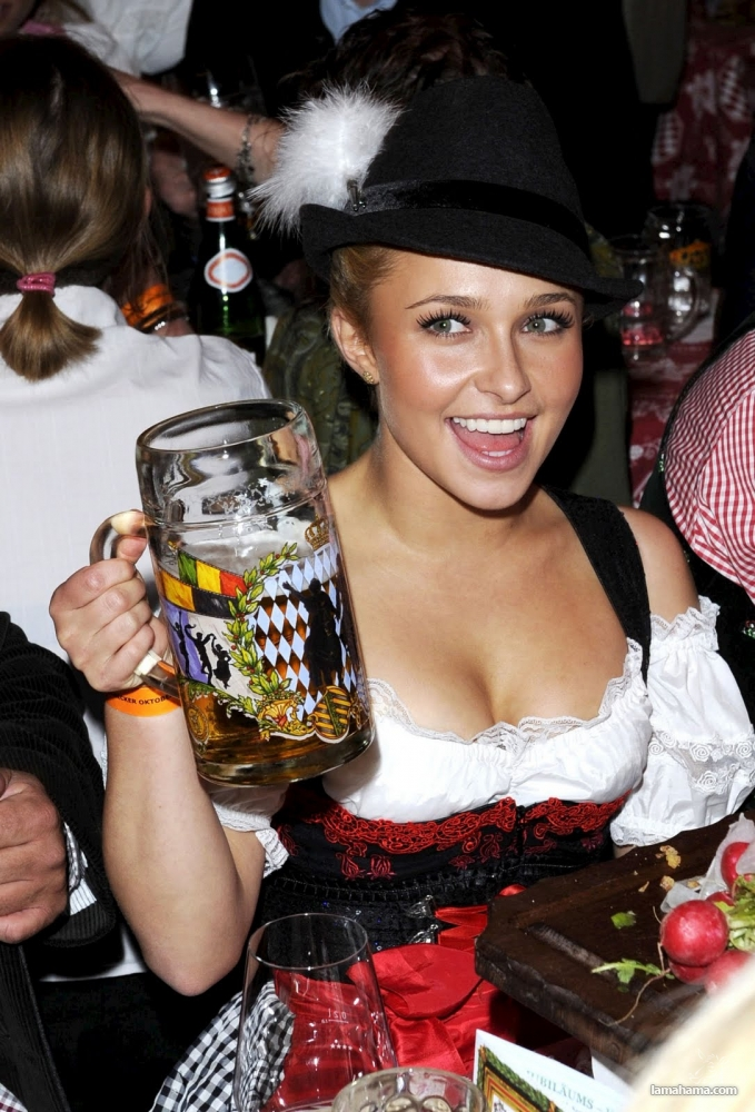 Oktoberfest - Hot girls and beer! - Pictures nr 5