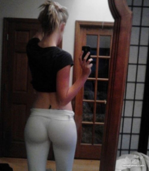Girls in tight leggings IV - Pictures nr 1