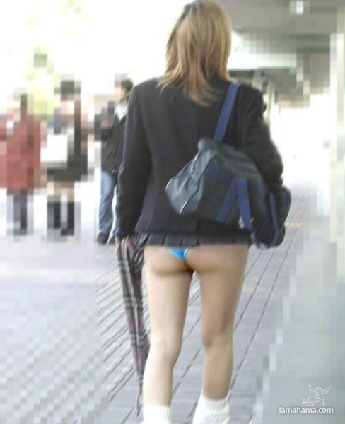 фото у девушек задралась юбка