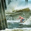People having fun with Hurricane Irene - Pictures nr 10