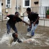 People having fun with Hurricane Irene - Pictures nr 5