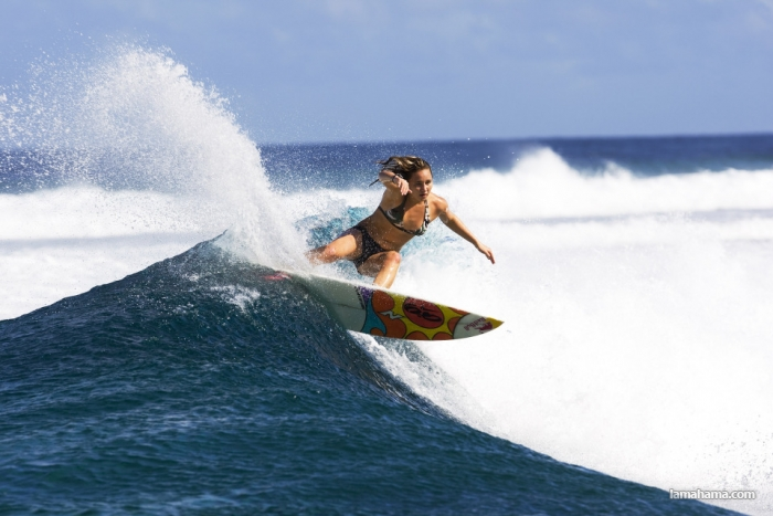 Beautiful girls surfing - Pictures nr 12