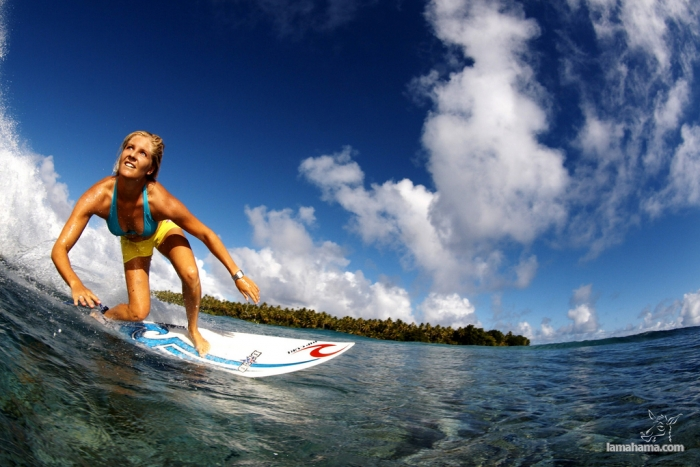 Beautiful girls surfing - Pictures nr 14