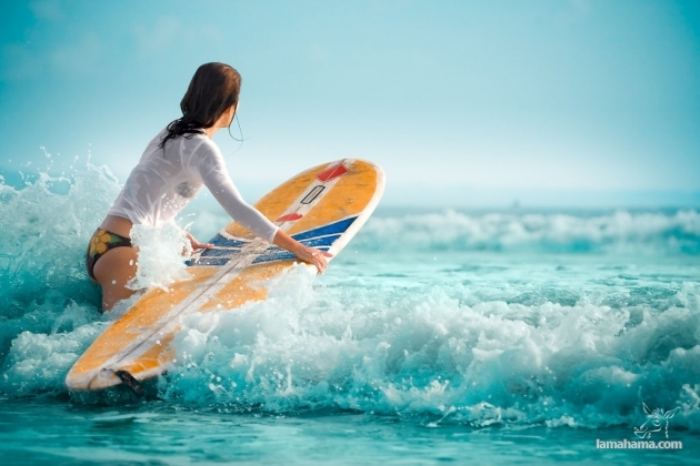 Beautiful girls surfing - Pictures nr 25