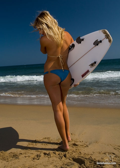 Beautiful girls surfing - Pictures nr 30