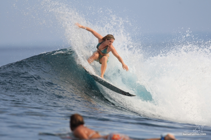 Beautiful girls surfing - Pictures nr 35
