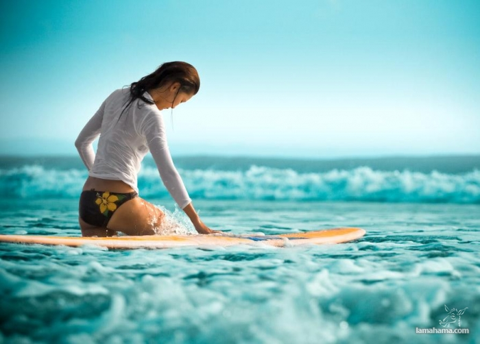 Beautiful girls surfing - Pictures nr 5