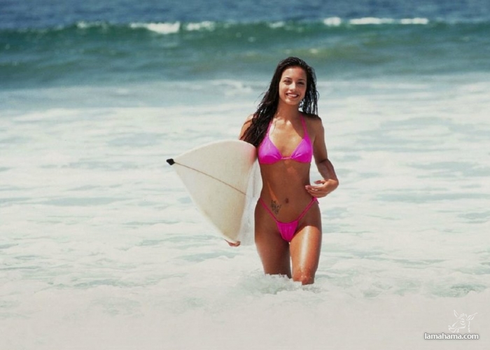 Beautiful girls surfing - Pictures nr 8