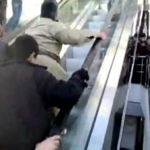 First time to use an escalator - Pictures nr 143