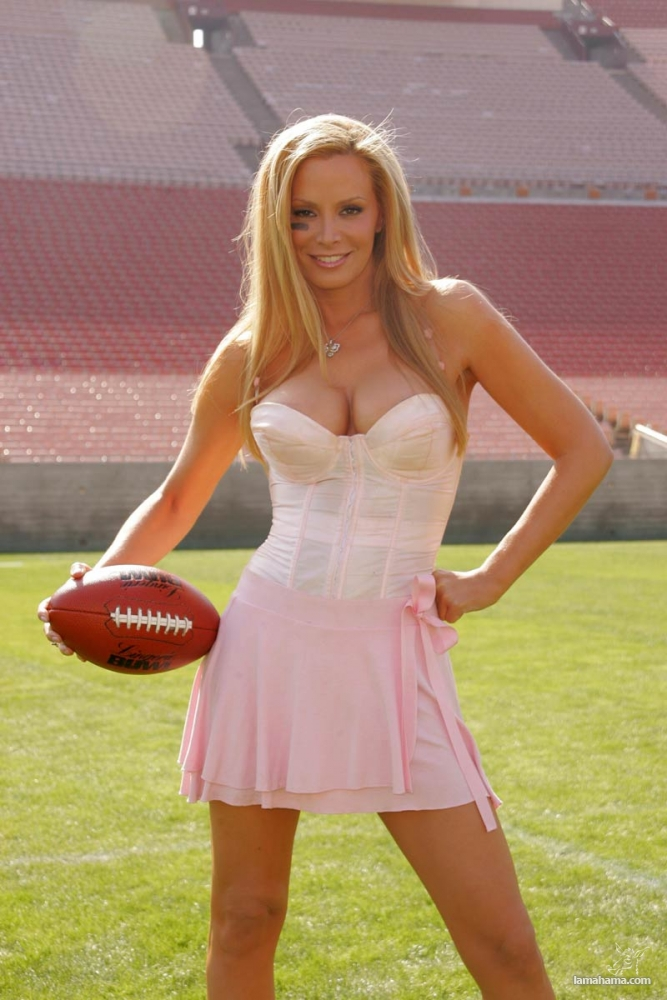 sexy naked football chicks