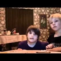 The kids and the tablecloth trick - Pictures nr 154