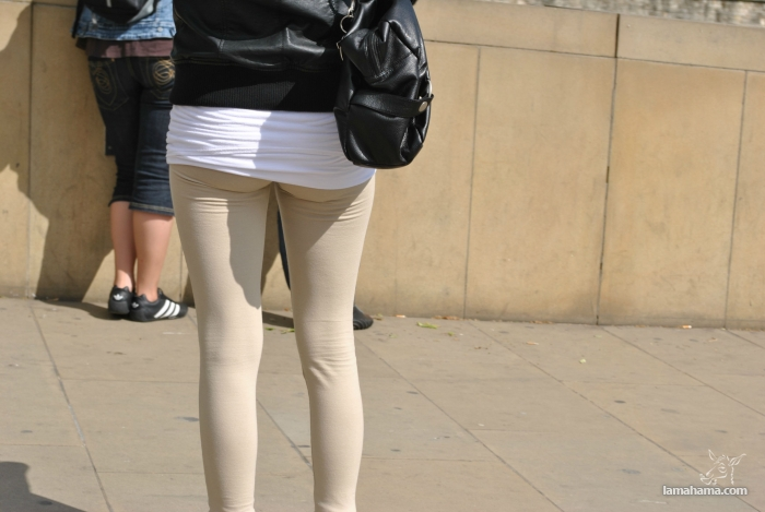 Hot girls in tight leggings II - Pictures nr 22