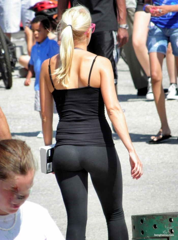 Hot girls in tight leggings II - Pictures nr 3