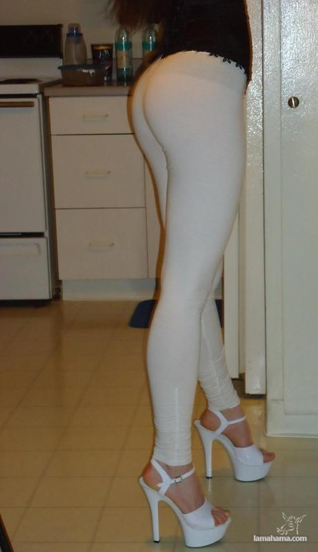 Hot girls in tight leggings II - Pictures nr 34