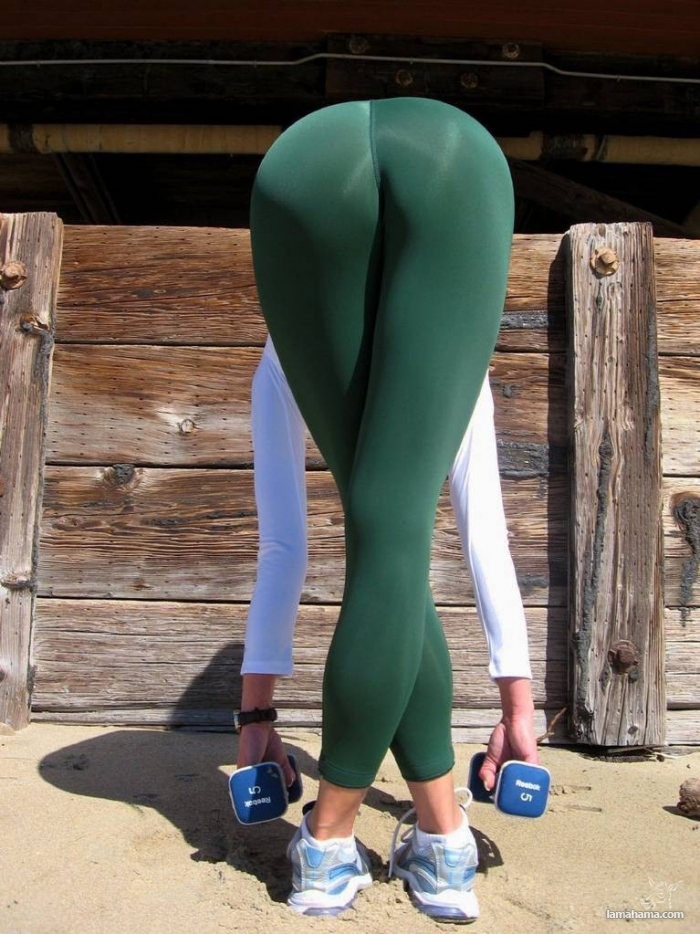 Hot girls in tight leggings II - Pictures nr 36