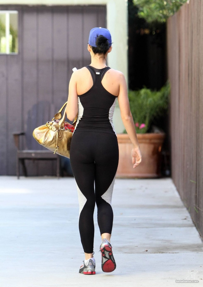 Hot girls in tight leggings II - Pictures nr 49