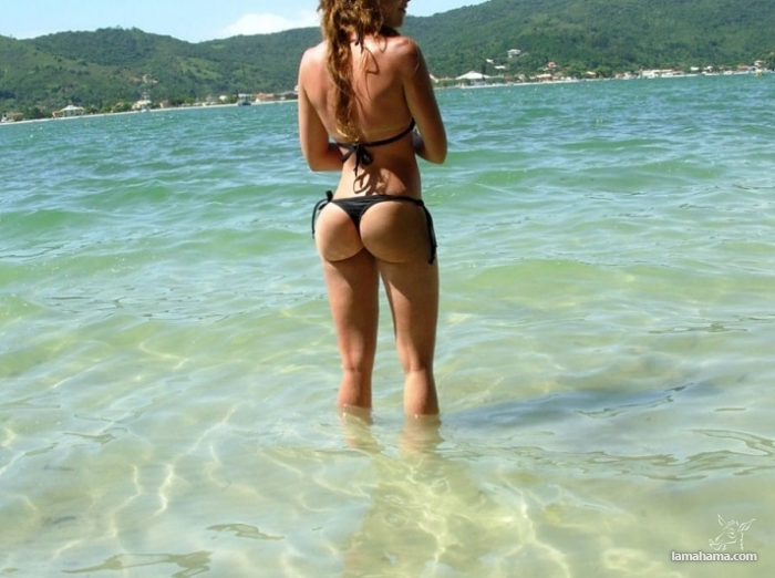 Girls from the beach for farewell summer - Pictures nr 21