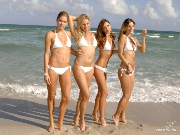 Girls from the beach for farewell summer - Pictures nr 3