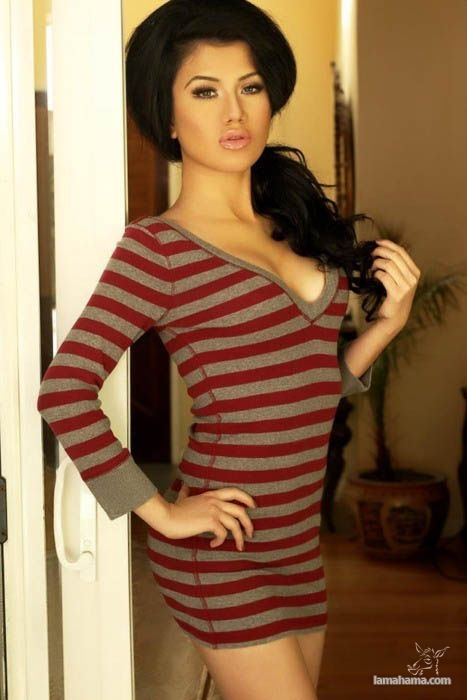 Hot girls wearing sweaters - Pictures nr 11