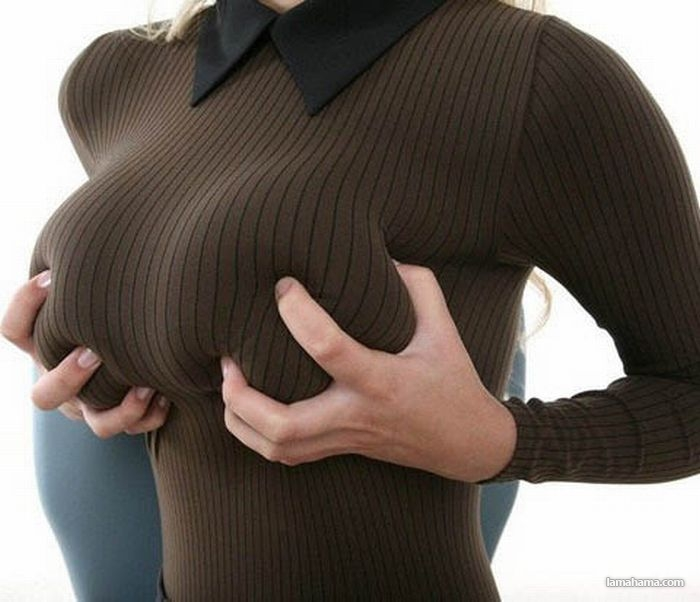 Hot girls wearing sweaters - Pictures nr 29