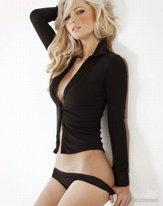 Hot girls wearing sweaters - Pictures nr 45