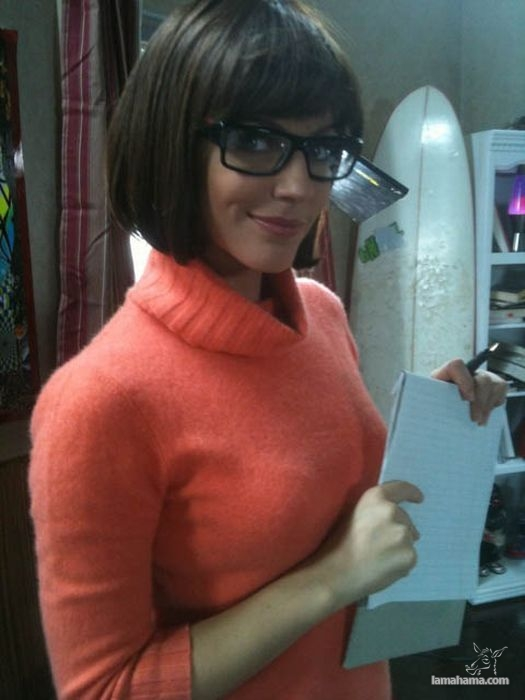 Hot girls wearing sweaters - Pictures nr 56