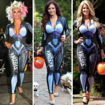 Celebrities in the same costume