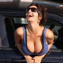 Women with large breasts - Pictures nr 3