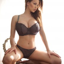 Busty Pics of Jordan Carver - Pictures nr 4