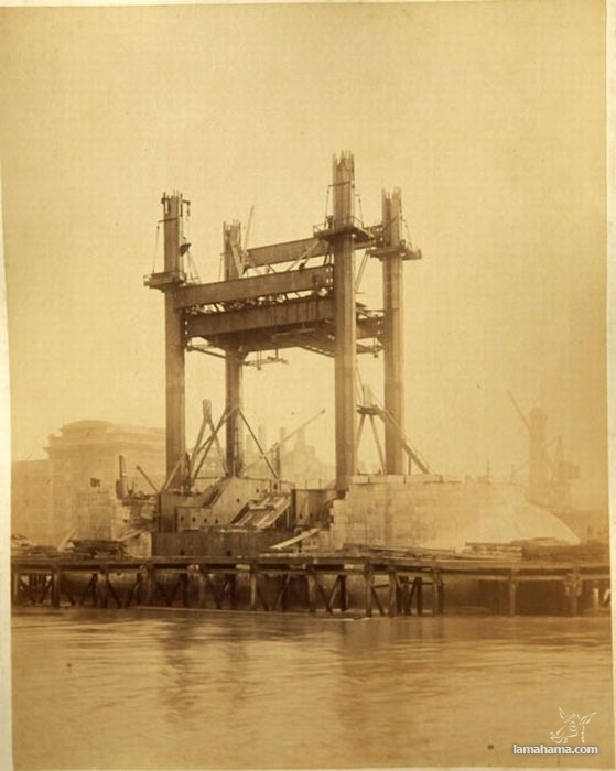 Old photos from the construction of London Tower Bridge - Pictures nr 1