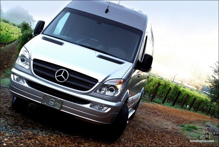 How to equip the Mercedes van? - Pictures nr 1