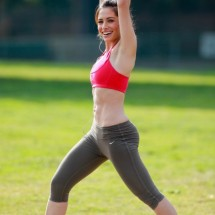 Morning workout with Sarah Shahi - Pictures nr 3