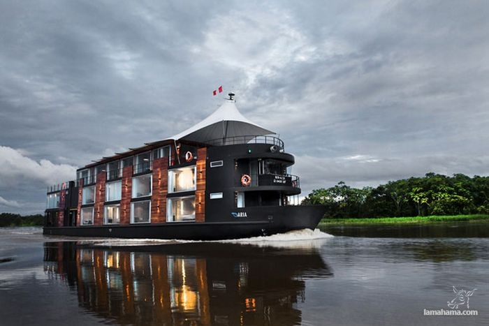 Luxury floating hotel at Amazon river - Pictures nr 1