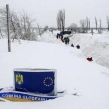 Wioska w Rumunii zasypana mega śniegiem - Zdjecie nr 3