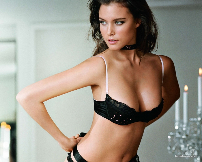 Beautiful girls in bras - Pictures nr 23