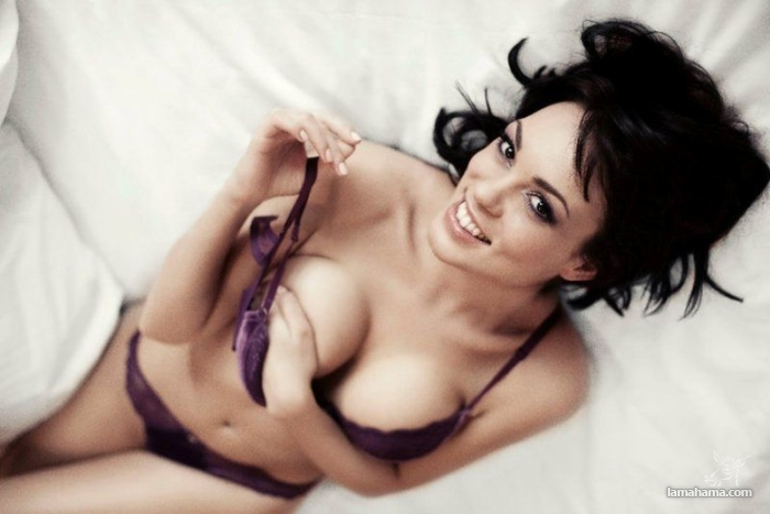 Beautiful girls in bras - Pictures nr 39