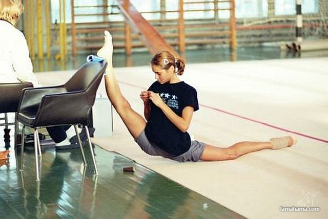 Athletic and stretched girls - Pictures nr 1