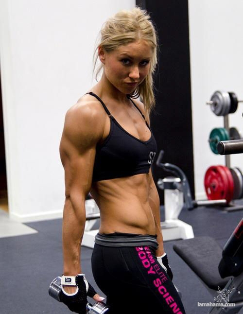 Muscular female bellies - Pictures nr 3