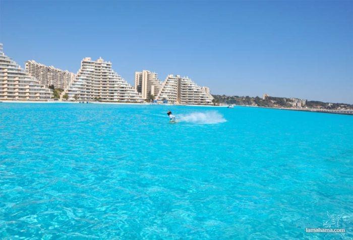 The biggest swiming Pool - San Alfonso del Mar Resort - Pictures nr 1
