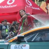 Sexy girls washing cars - Pictures nr 17