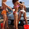 Sexy girls washing cars - Pictures nr 3