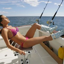 Girls fishing in bikini - Pictures nr 653