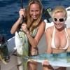 Girls fishing in bikini - Pictures nr 7
