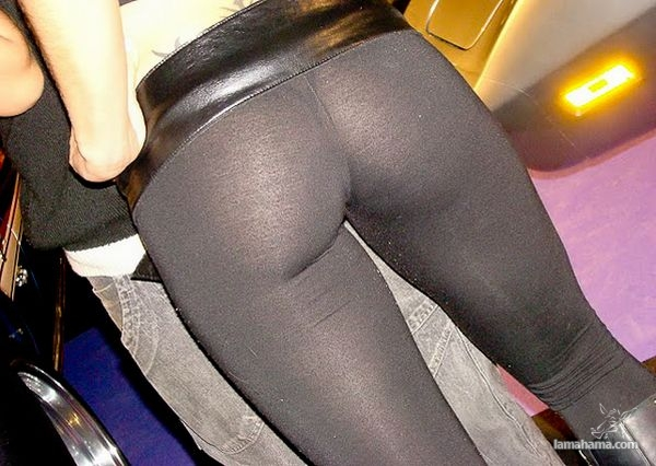 Hot girls in tight leggings - Pictures nr 12