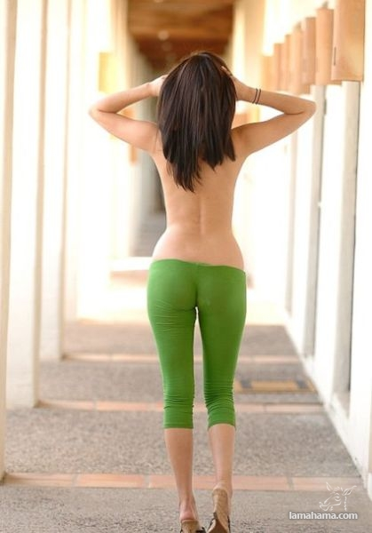 Hot girls in tight leggings - Pictures nr 18