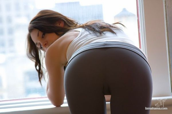 Hot girls in tight leggings - Pictures nr 23