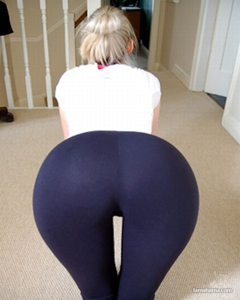 Hot girls in tight leggings - Pictures nr 6