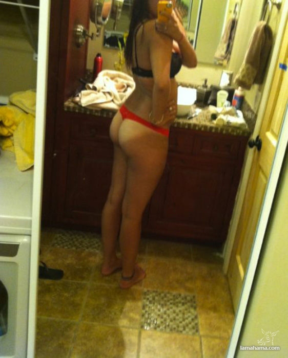 Girls With Tanlines
