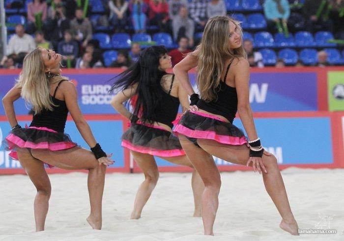 beach volleyball girl: